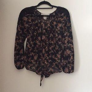 American Rag floral blouse w/lace detail